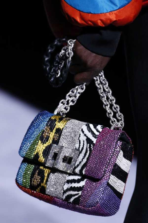 3d742fedbd16 Женские сумки осень – Самые модные женские сумки 2019-2020